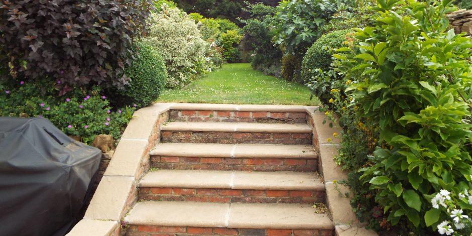 Garden maintenance, Kings Sutton